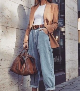 Loose jeans trend
